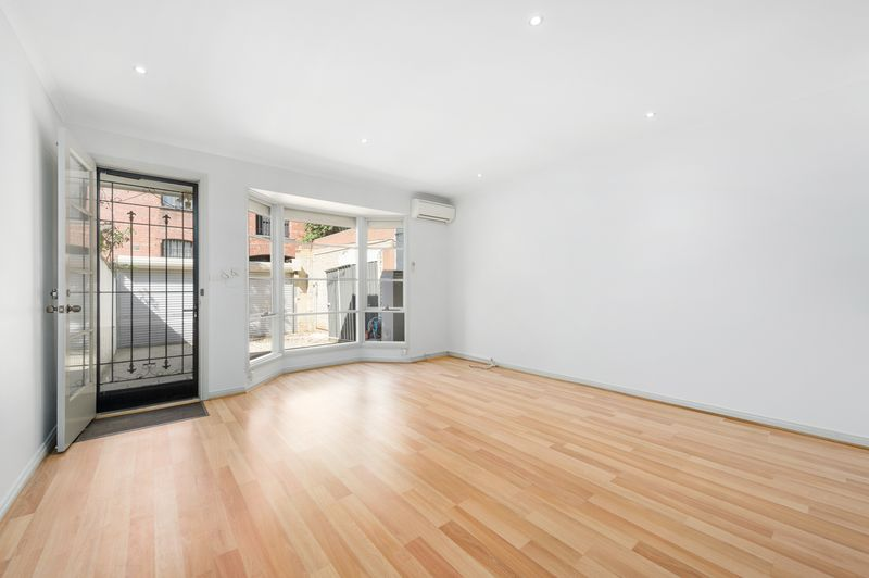 3-52-canning-street-carlton-student-accommodation-Melbourne-Living-Area-Unilodgers