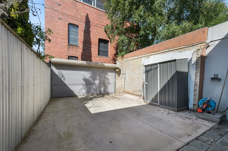 3-52-canning-street-carlton-student-accommodation-Melbourne-Outside-Unilodgers