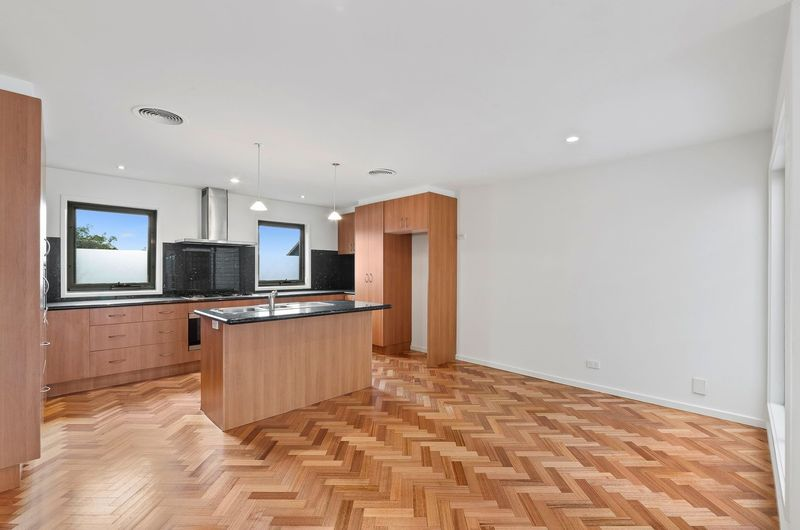245a-the-boulevard-port-melbourne-student-accommodation-Melbourne-Kitchen-Unilodgers