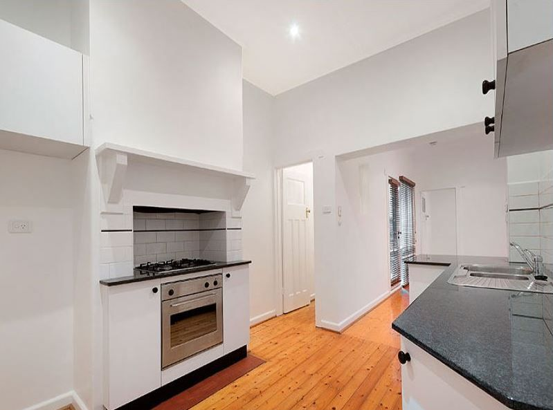 3-1-ruskin-street-elwood-student-accommodation-Melbourne-Kitchen-Unilodgers