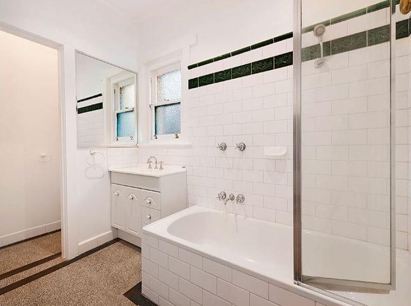 3-1-ruskin-street-elwood-student-accommodation-Melbourne-Bathroom-Unilodgers