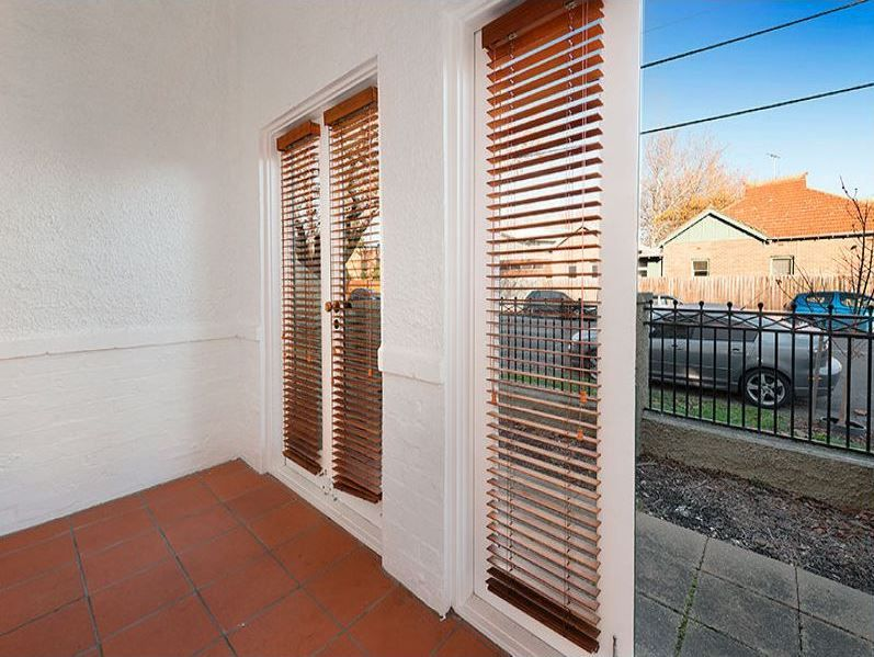 3-1-ruskin-street-elwood-student-accommodation-Melbourne-Door-Unilodgers