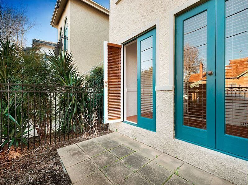 3-1-ruskin-street-elwood-student-accommodation-Melbourne-Exterior-2-Unilodgers