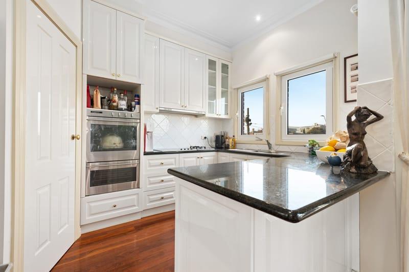 15a-patterson-street-middle-park-student-accommodation-Melbourne-Kitchen-Unilodgers