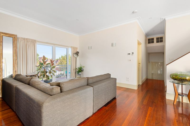 15a-patterson-street-middle-park-student-accommodation-Melbourne-Living-Area-Unilodgers