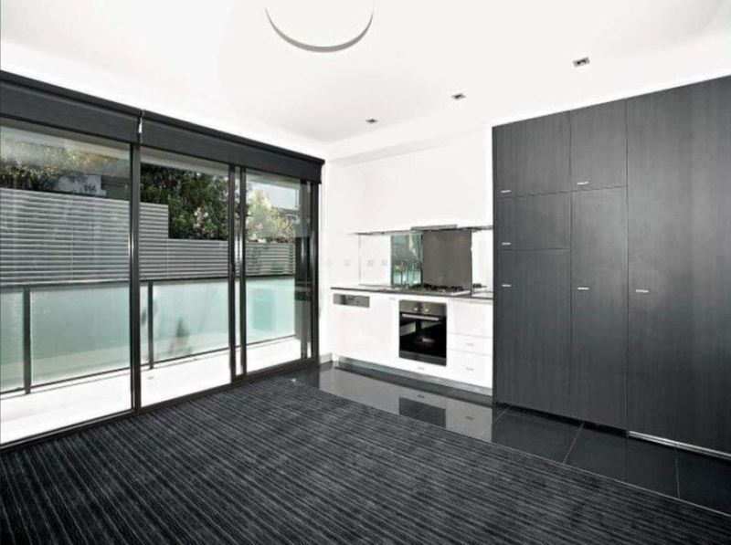 21-17-robe-street-st-kilda-student-accommodation-Melbourne-Living-Area-Unilodgers