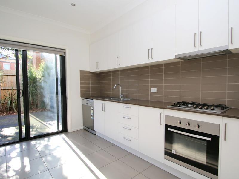 2-115-albion-street-brunswick-student-accommodation-Melbourne-Kitchen-Unilodgers
