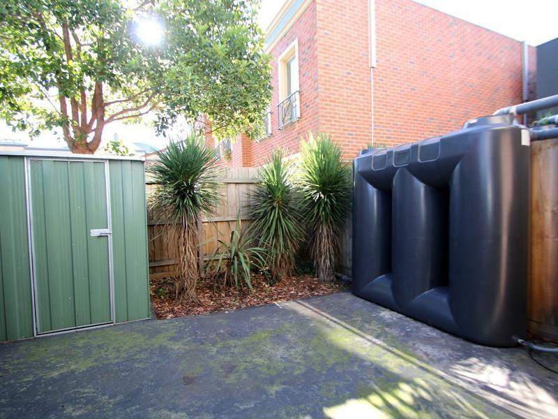 2-115-albion-street-brunswick-student-accommodation-Melbourne-Backyard-Unilodgers