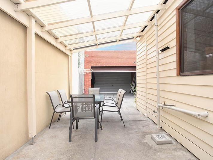155-farrell-street-port-melbourne-student-accommodation-Melbourne-Backyard-Unilodgers