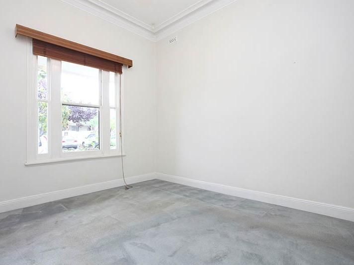 155-farrell-street-port-melbourne-student-accommodation-Melbourne-Bedroom-Unilodgers