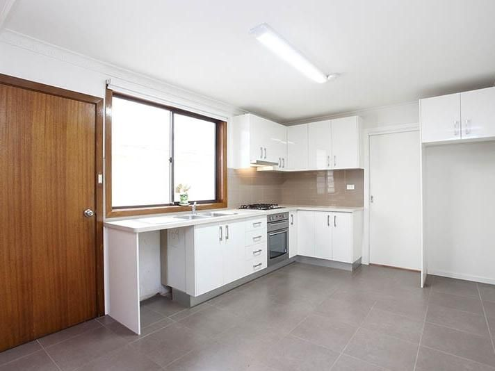 155-farrell-street-port-melbourne-student-accommodation-Melbourne-Kitchen-Unilodgers