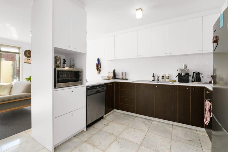 23-1-villiers-street-north-melbourne-student-accommodation-Melbourne-Kitchen-Unilodgers