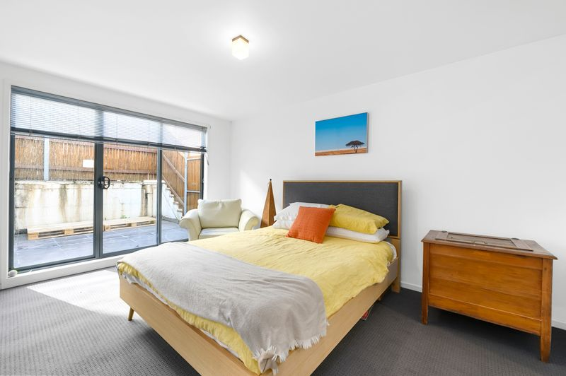 23-1-villiers-street-north-melbourne-student-accommodation-Melbourne-Bedroom-Unilodgers