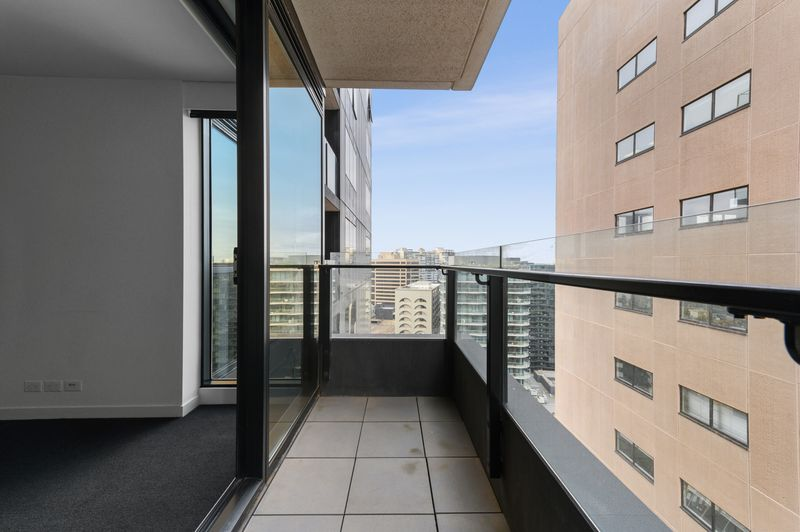 2014-50-albert-road-south-melbourne-student-accommodation-Melbourne-Balcony-Unilodgers