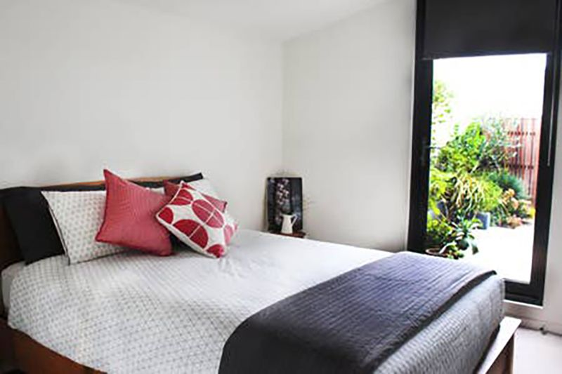 202-704-victoria-street-north-melbourne-student-accommodation-Melbourne-Bedroom2-Unilodgers