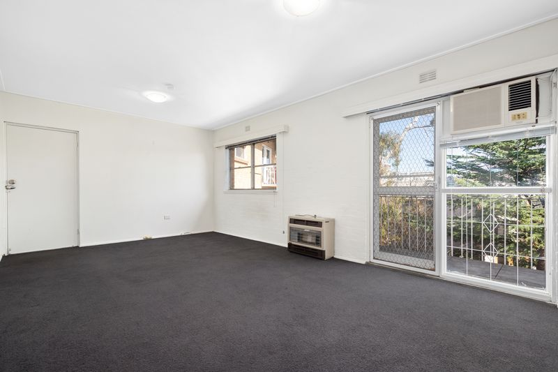 23-150-arden-street-north-melbourne-student-accommodation-Melbourne-Bedroom2-Unilodgers