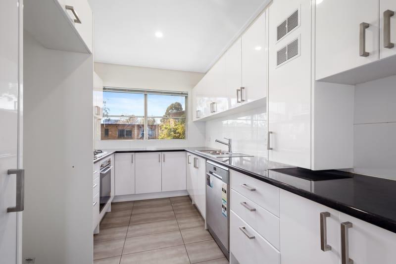 23-150-arden-street-north-melbourne-student-accommodation-Melbourne-Kitchen-Unilodgers