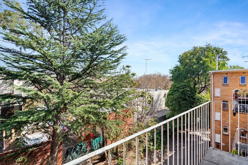23-150-arden-street-north-melbourne-student-accommodation-Melbourne-Balcony-Unilodgers