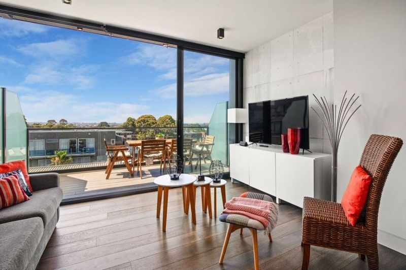 707-157-fitzroy-street-st-kilda-student-accommodation-Melbourne-Living-Area-Unilodgers