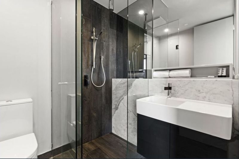707-157-fitzroy-street-st-kilda-student-accommodation-Melbourne-Bathroom-Unilodgers