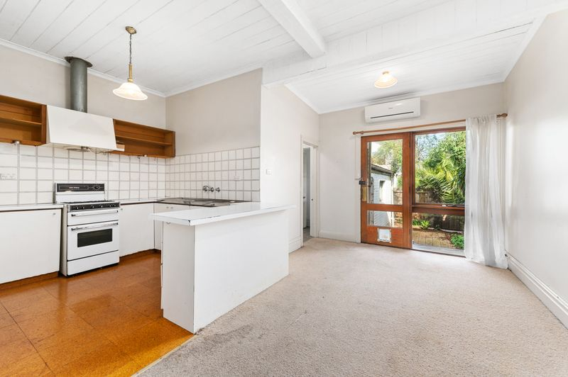 160-danks-street-albert-park-student-accommodation-Melbourne-Kitchen-Unilodgers