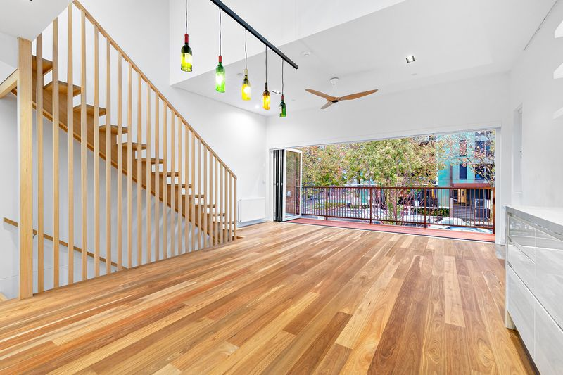 32-palmerston-street-carlton-student-accommodation-Melbourne-Living-Area-1-Unilodgers