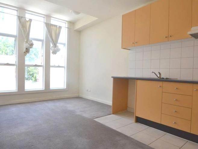 14-117-121-bouverie-street-carlton-student-accommodation-Melbourne-Kitchen-Unilodgers