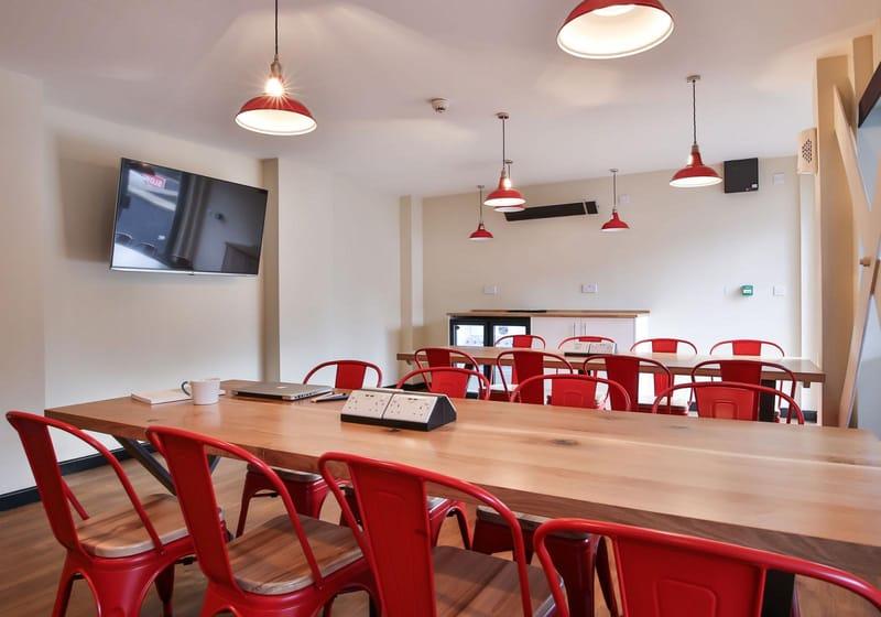 IQ-Broderick-House-Birmingham-Study-Room-Unilodgers