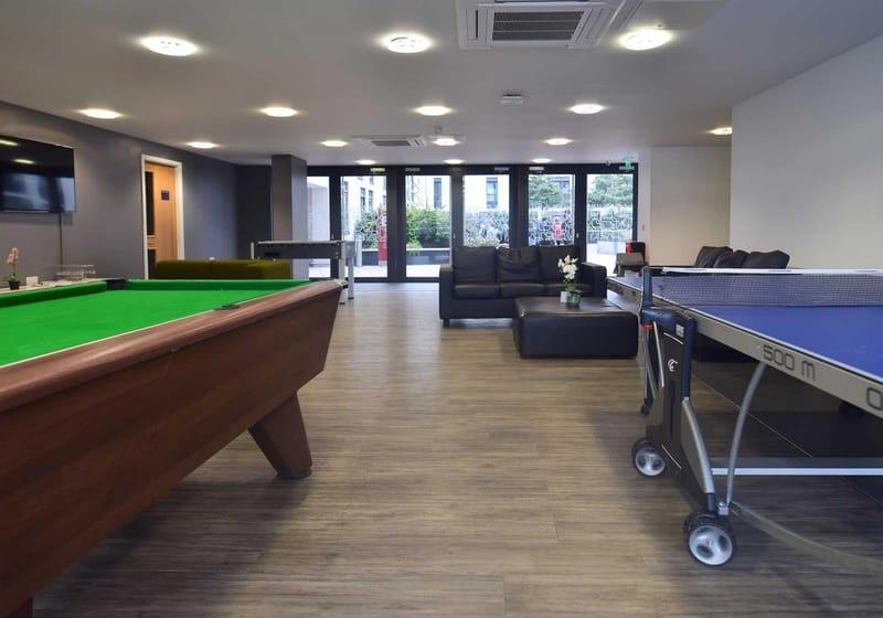 iQ-Raffles-House-London-Games-Room-Unilodgers