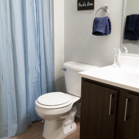 Clemson-Edge-Clemson-SC-Bathroom-Unilodgers