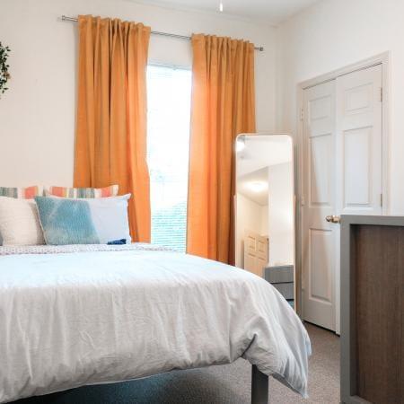Clemson-Edge-Clemson-SC-Bedroom-Unilodgers