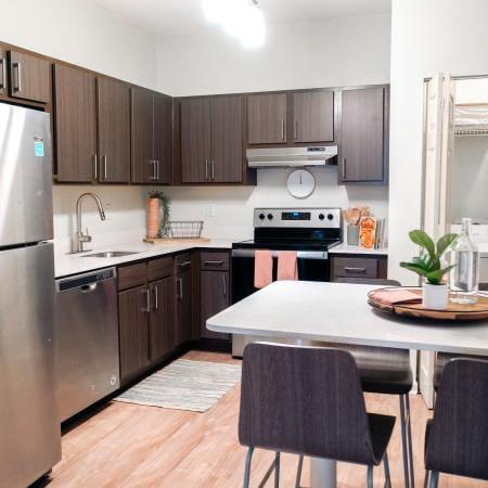Clemson-Edge-Clemson-SC-Kitchen-Area-Unilodgers.
