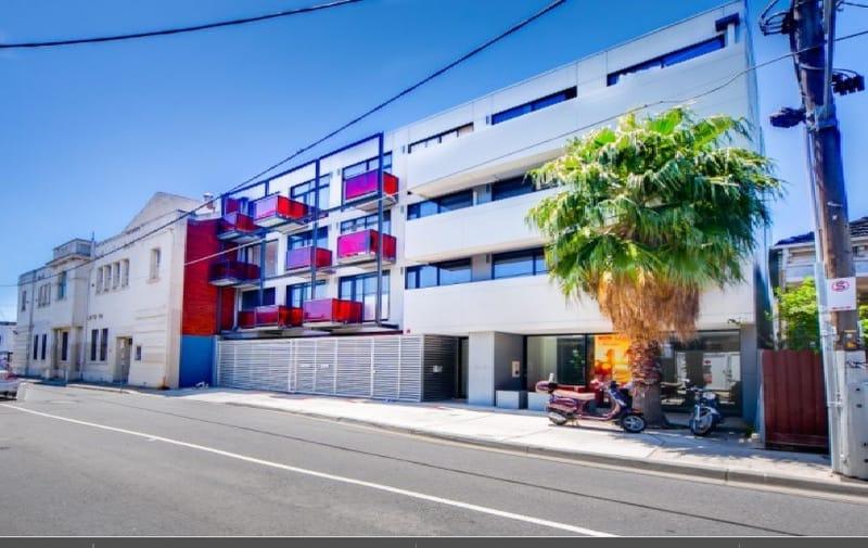 32_St_Edmonds_Road-Melbourne-Exterior-View-Unilodgers