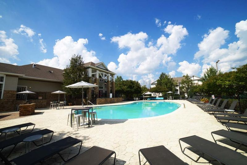 901-Place-Charlotte-NC-Swimming-Pool-Unilodgers