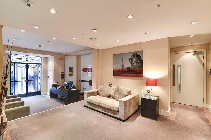 AXO-Oxford-Circus-London-Lobby-Room-Unilodgers