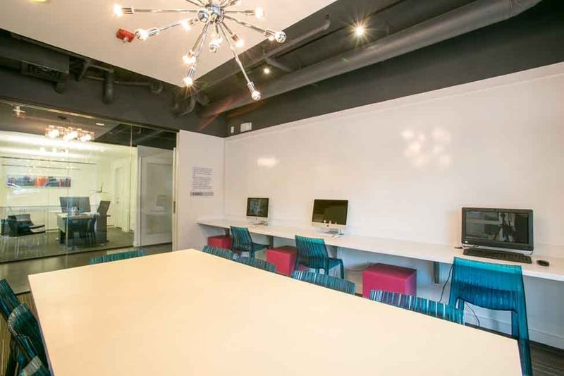 Axis-West-Campus-Austin-TX-Computer-Lounge-Unilodgers