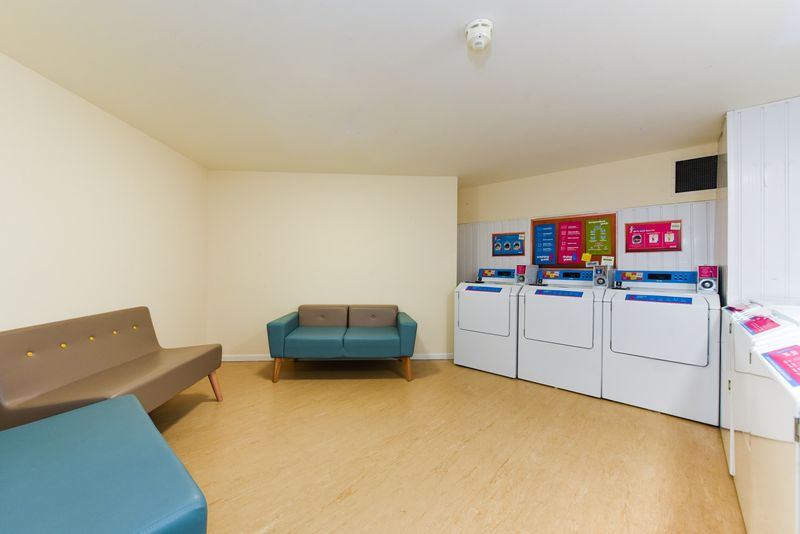 Brearley-House-Sheffield-2-Laundry-Area-Unilodgers
