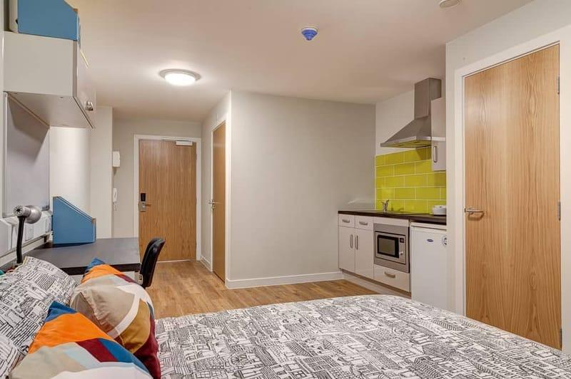Burgess-House-Newcastle-Premium-Studio-2-Unilodgers