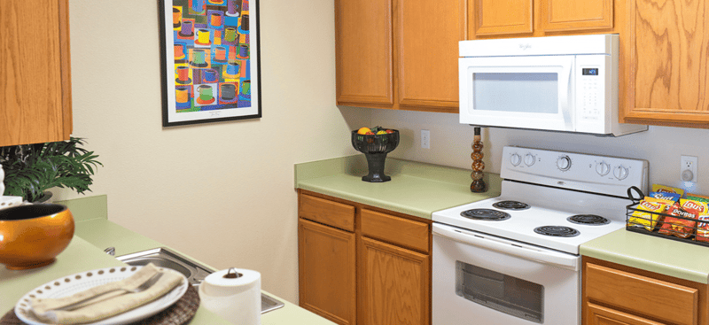 CEV-Warrensburg-MO-Swimming-Kitchen-Area-Unilodgers