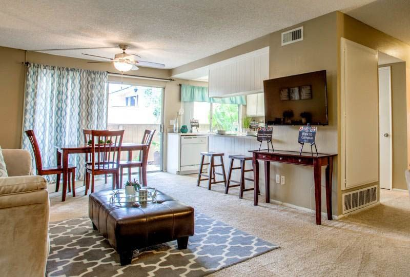 Campus-Crossings-At-Riverside-CA-Dining-Table-And-Chairs-Unilodgers