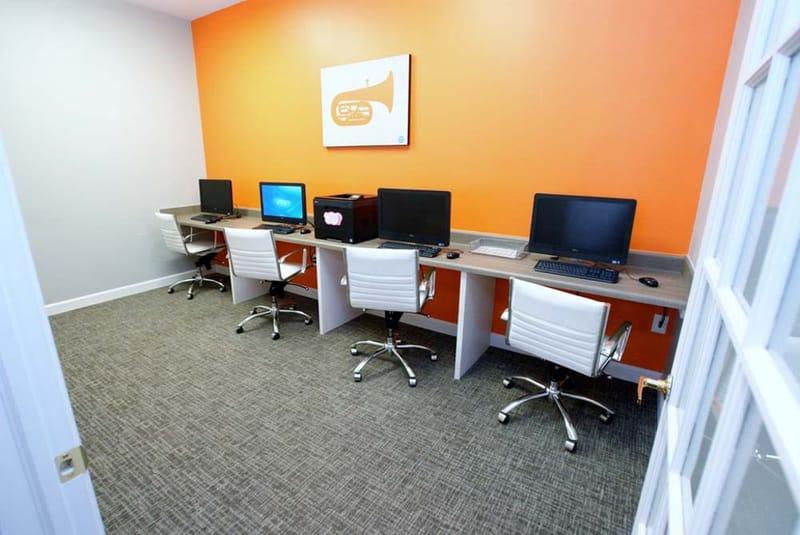 Campus-Crossings-Murfereesboro-TN-Computer-Lounge-Unilodgers