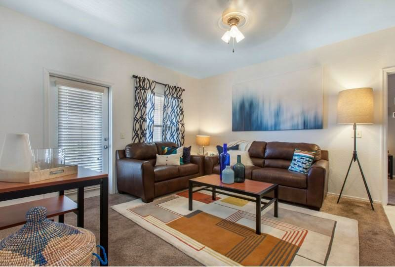 Campus-Crossings-at-Star-Pass-Tucson-AZ-Living-Area-Unilodgers