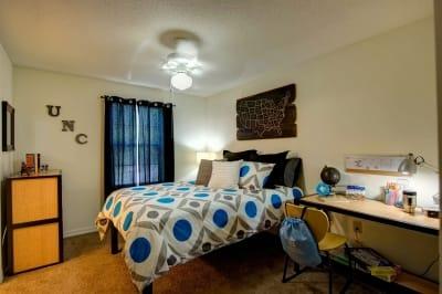 Chapel-Ridge-Chapel-Hill-NC-Bedroom-Unilodgers