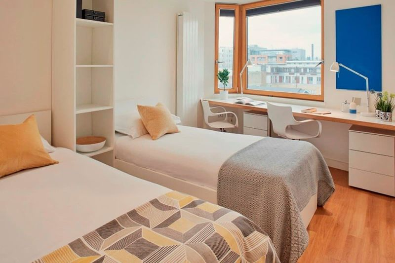 Chapter-Aldgate-London-Bronze-Studio-Twin-Bed-Unilodgers