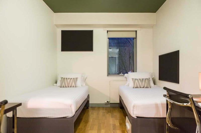 Chapter-Kings-Cross-London-Bronze-Twin-Studio-Bedroom-01-Unilodgers