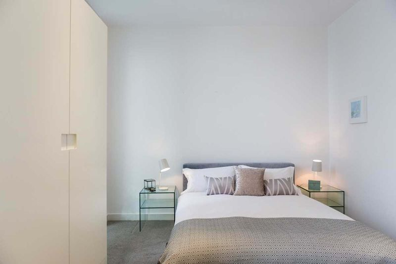 Chapter-Kings-Cross-London-One-Bed-Flat-Bedroom-Area-01-Unilodgers