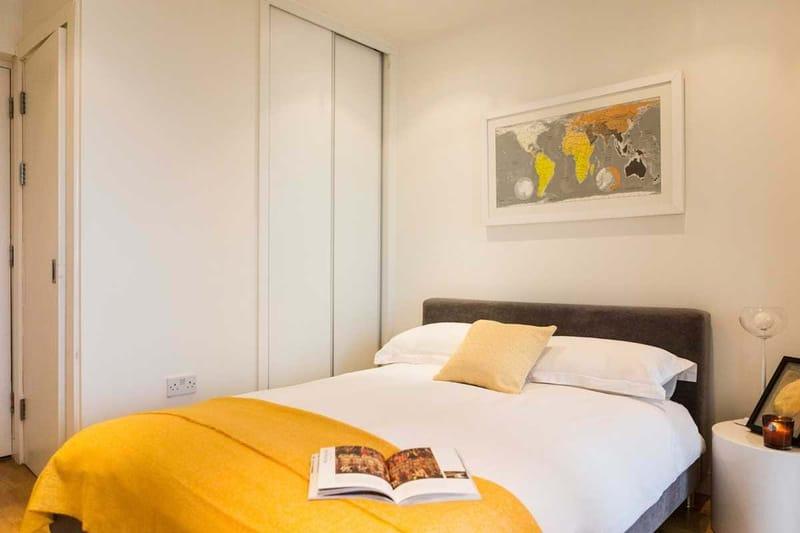 Chapter-Kings-Cross-London-Studio-Flat-Bedroom-Area-01-Unilodgers