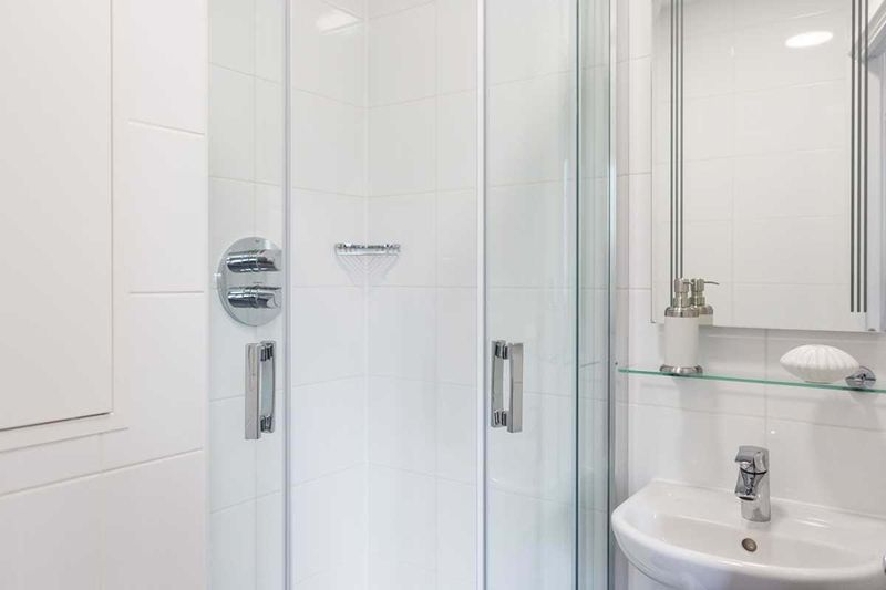 Chapter-Lewisham-London-3-Bedroom-Apartment-Shared-Bathroom-Unilodgers