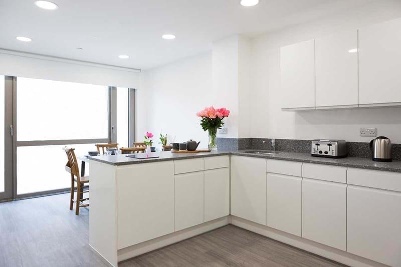 Chapter-Lewisham-London-Bronze-Ensuite-Shared-Kitchen-02-Unilodgers