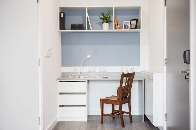 Chapter-Lewisham-London-Silver-Studio-Study-Area-Unilodgers